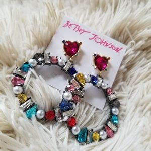 Betsey Johnson heart and circle statement earrings